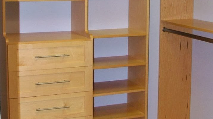 Maple Walk-in