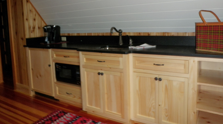 Pine Kitchenette
